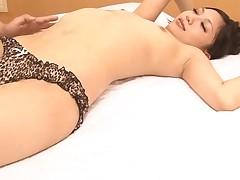Japanese babe enjoys coarse anal toying and deep pounding